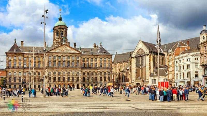 amsterdam gezilecek yerler Dam Meydanı