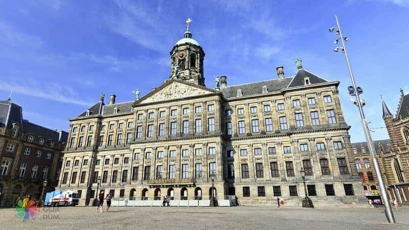 amsterdam gezilecek yerler kraliyet sarayı