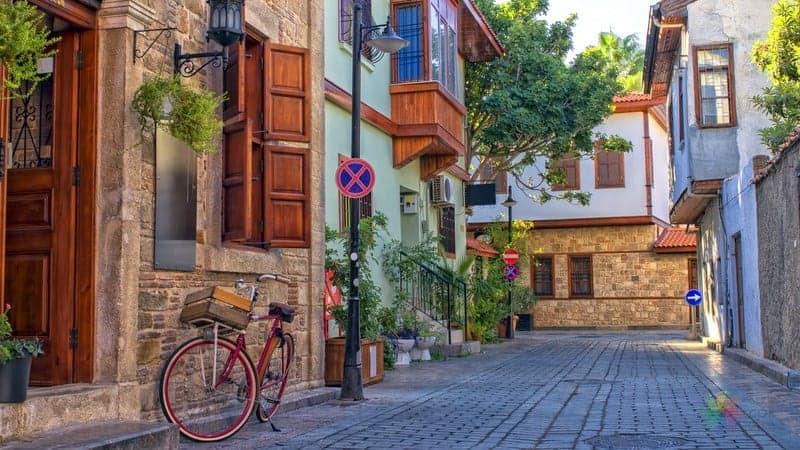 Antalya'da nerede kalınır kaleiçi otelleri