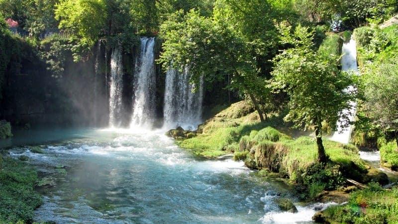 Antalya gezilecek yerler Düden Şelalesi