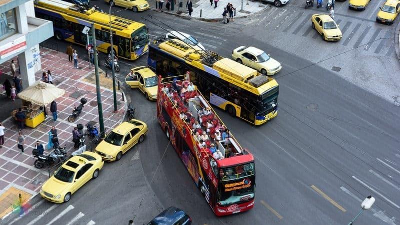 Atina'da konaklama toplu taşıma araçları