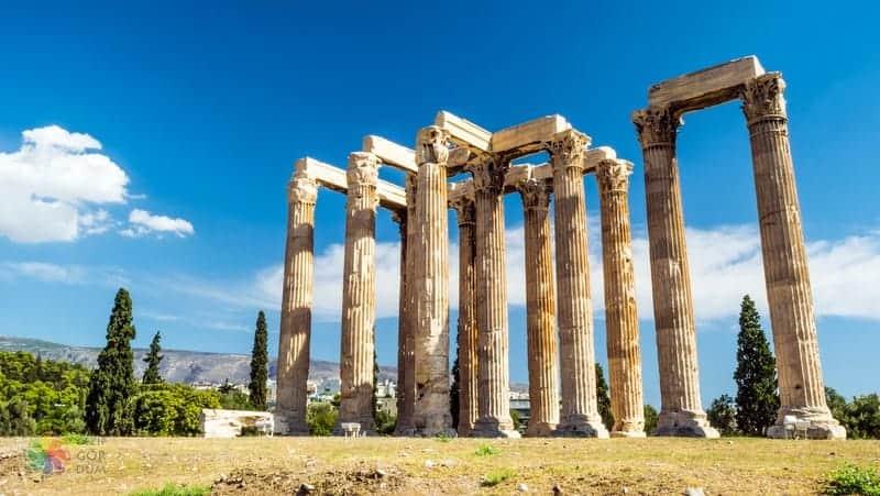Temple of Olympian Zeus Atina gezilecek yerler