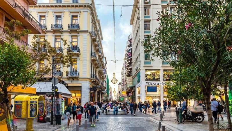 Ermou Caddesi Atina'da gezilmesi gereken yerler