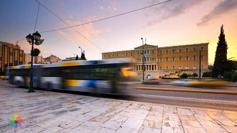 Atina Elefterios Venizelos Uluslararası Havalimanı şehir merkezi ulaşım otobüs