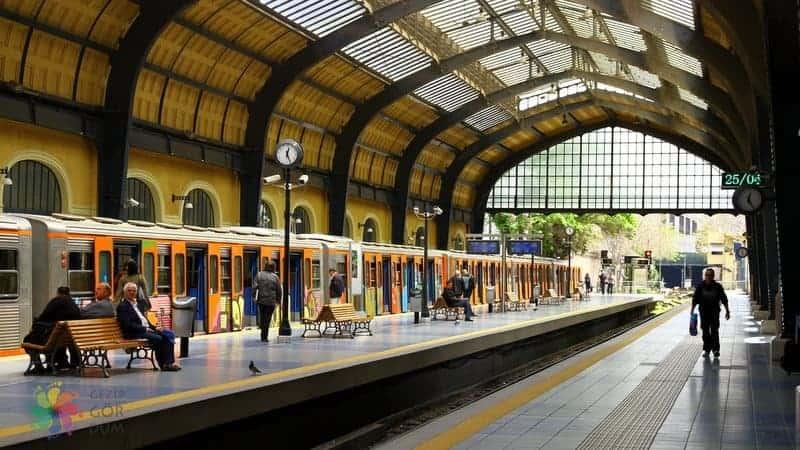 Atina şehir merkezi havaalanı treni ile Atina Havaalanı'na ulaşım