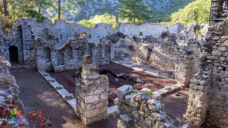 Faselis Antik Kenti kalıntılar